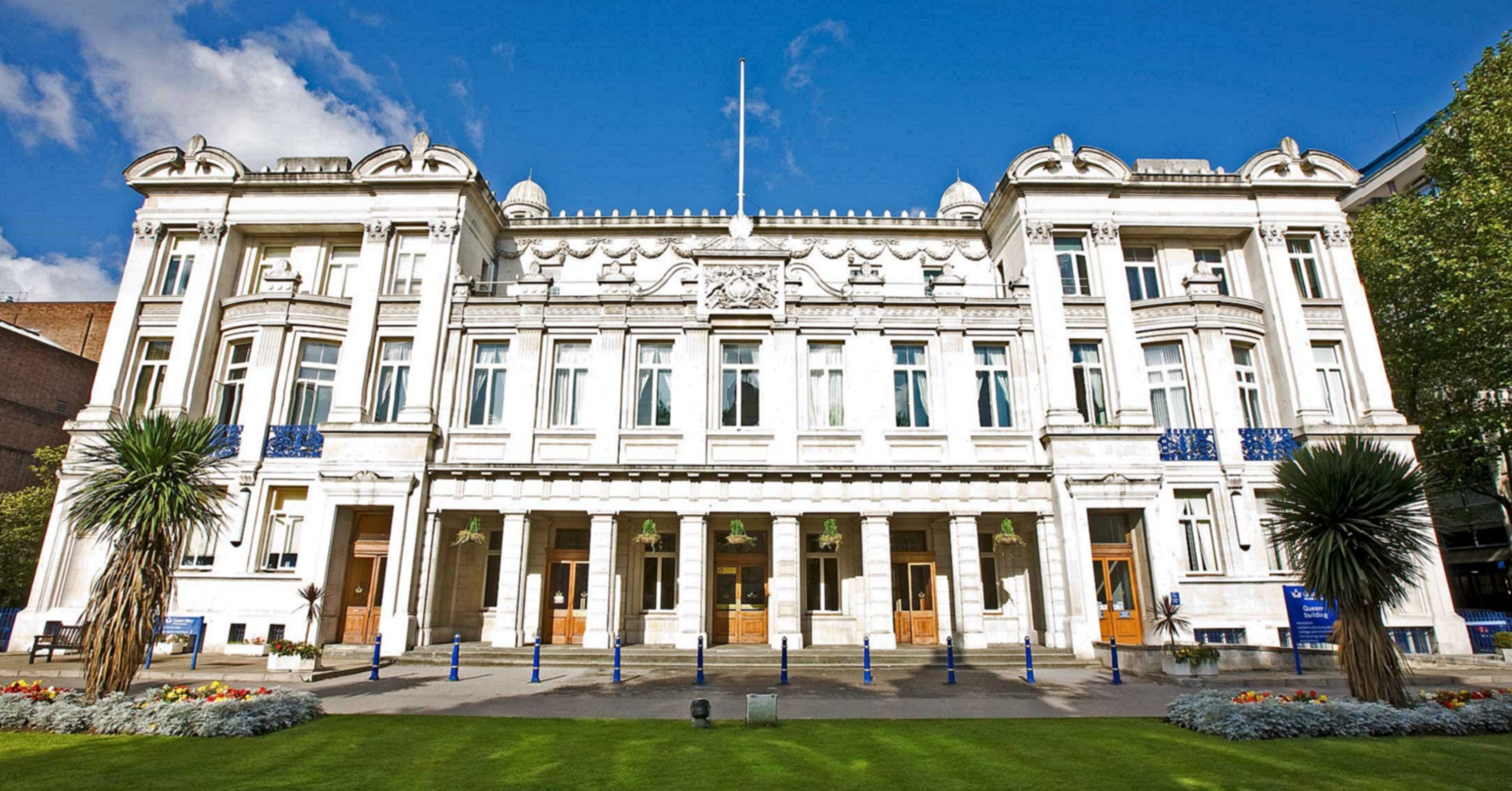 uk medical residency for international students - queen mary university